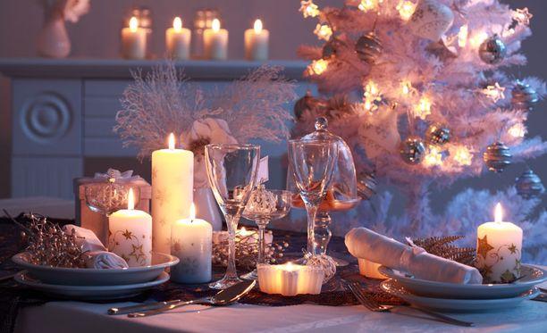 Asiantuntijan mukaan jouluaterian painikkeeksi sopii parhaiten valkoviini, ja se saa myös kuohua.