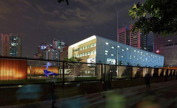USA:n Guangzhoun konsulaatin työntekijä lähetettiin kotiin hoitoon hänen koettuaan outoja ääniä ja painetta.