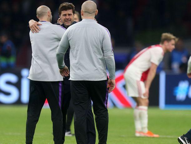 Tottenham-manageri Mauricio Pochettino murtui kyyneliin, kun dramaattinen välieräottelu oli päättynyt hänen joukkueensa 3–2-voittoon.