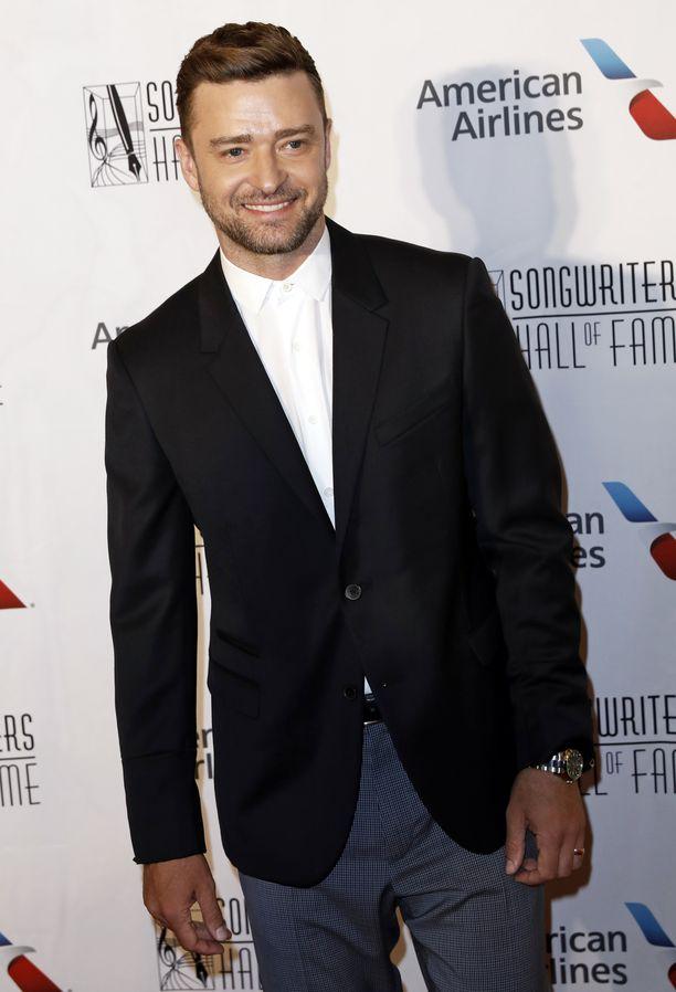 Justin Timberlake lahjoitti tila-auton liikuntarajoitteiselle pojalle.