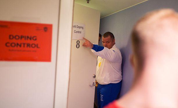 Fredrik Smulter suuntasi dopingtestiin voitettuaan vuonna 2015 MM-kultaa Sundsvallissa ME-tuloksella 401 kiloa.
