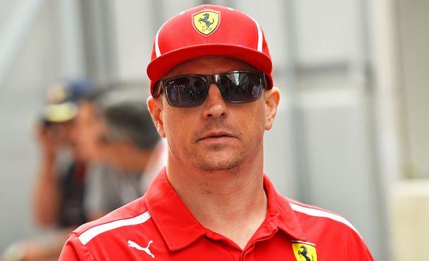 Poliisin tutkijat kuulevat sekä Kimi Räikköstä että kanadalaisnaista, josta Räikkönen on jättänyt rikosilmoituksen.