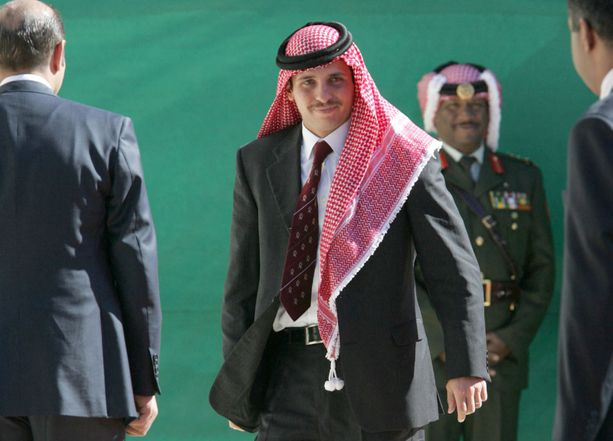 Jordanian ex-kruununprinssi on kertonut olevansa itse kotiarestissa.
