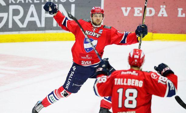Jarkko Malinen tuuletti HIFK:n 2-0-maalia.