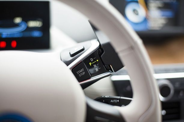 DriveNow-palvelun autot ovat BMW- ja Mini-merkkisiä. Käytettävissä on myös BMW i3-täyssähköautoja.