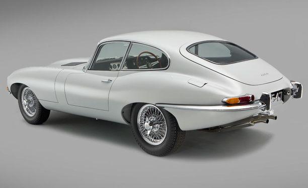 Jaguar E-type on äänestytty joitakin vuosia sitten maailman kauneimmaksi autoksi.