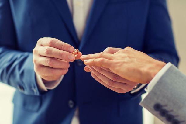 Samaa sukupuolta olevien parien puolesta ei rukoilla kirkon tiloissa Kotka-Kymin seurakunnassa.