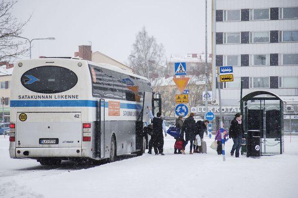 Satakunnan liikenteen kuljettajista lähes jokainen on ilmoittanut saapuvansa perjantaina normaalisti töihin. Kuvituskuva.
