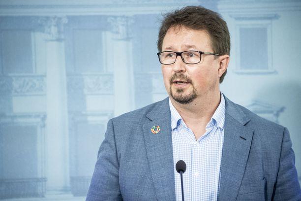 Mika Salminen on tartuntatautien ja terveysturvallisuuden asiantuntija.