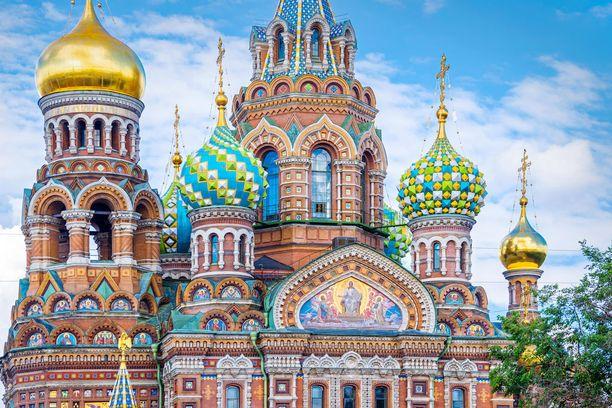 Pietarin Verikirkko eli Kristuksen ylösnousemuksen katedraali on rakennettu tsaari Aleksanteri II:n murhapaikalle.