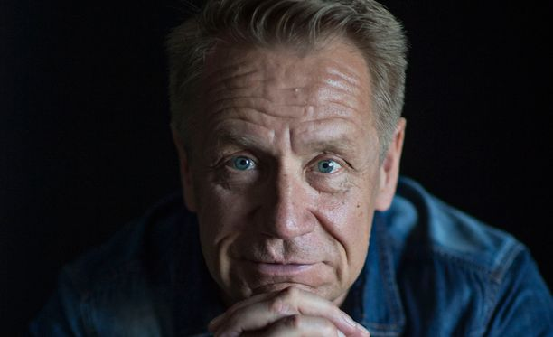 Olli Lindholm on luotsannut Yö-yhtyettä 35 vuoden ajan.