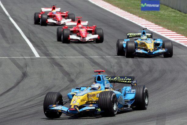 2006 Fernando Alonso repi Renault-autostaan irti kaiken.