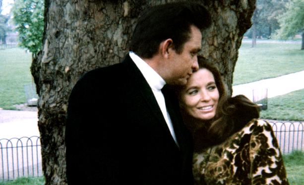Johnny ja June eivät luovuttaneet, vaikka yhteisen taipaleen alku ei ollut helppo tai mukava.