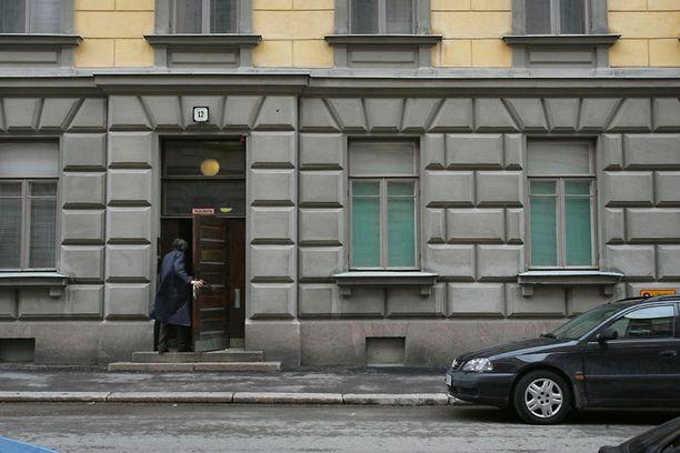 Suojelupoliisin päämaja Ratakadulla Helsingissä. Jotkut Supossa ovat epäilleet, että brittifirman keräämiä tietoja olisi päätynyt Britannian ulkomaan tiedustelupalvelulle.