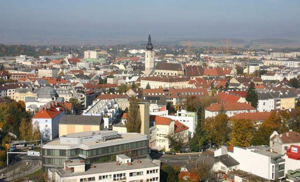 Sankt Pöltenissä asuu noin 53 000 asukasta.