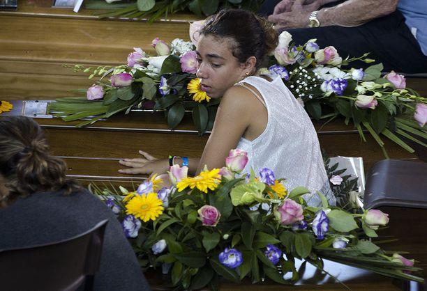 Ascelo Picenossa haudattiin tänään 34 maanjäristyksen uhria.