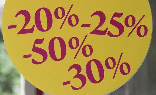 Kuluttaja-asiamies on määrännyt neljälle huonekaluliikkeelle kiellon harhaanjohtavan mainonnan vuoksi. Kuvituskuva.