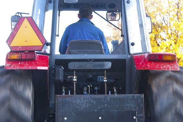 Traktorin kuljettaja kuoli onnettomuudessa Alahärmässä. Kuvituskuva ei liity tapaukseen.