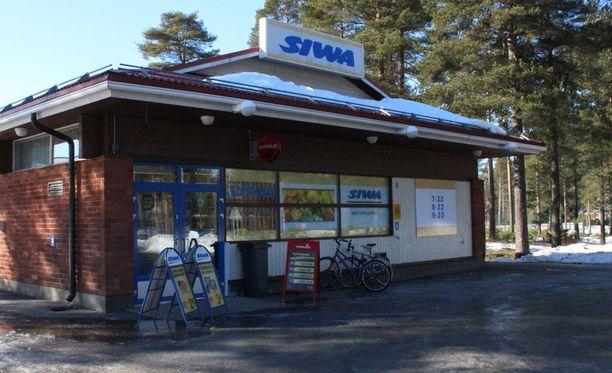 Haukiputaan Kiviniemellä sijaitseva Kellon Siwa ryöstettiin tiistaiaamuna. Poliisi ei ole toistaiseksi tavoittanut epäiltyä.