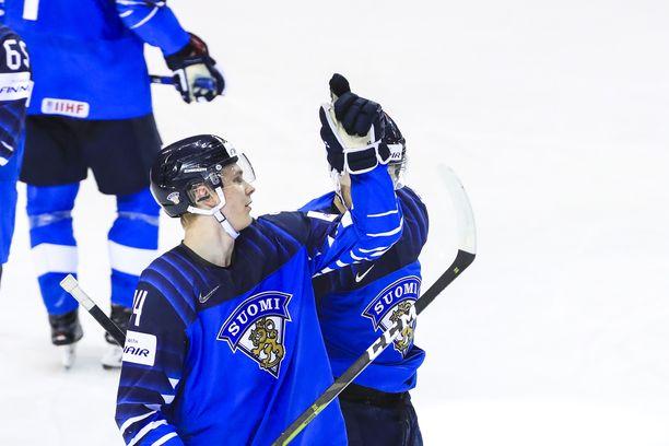 Kaapo Kakko on Leijonien ykköstykki, jonka Veikkaus uskoo illalla tekevän enemmän maaleja kuin mihin koko Iso-Britannian joukkue pystyy.