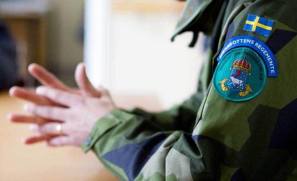 Ruotsi luopui kutsunnoista ja velvollisuudesta asepalvelukseen kesällä 2010.