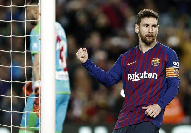 Lionel Messi johti Barcelonan nousua Rayo Vallecanoa vastaan.