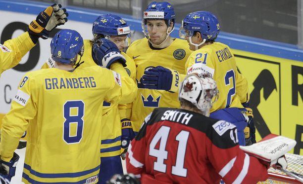 Ruotsi löi avauserässä taululle 3-0-lukemat.