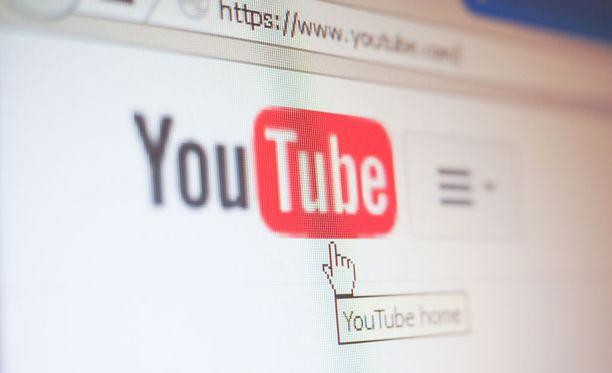 Youtube taistelee salaliittoteorioita vastaan tietopaketeilla.