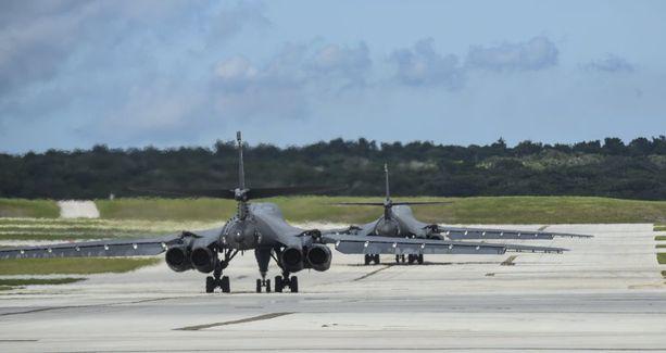 B-1B-pommikoneet saapuivat Guamiin Etelä-Dakotan osavaltiosta.
