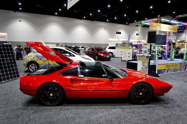 Ferrari 308 GTS vuosimallia 1978 on muutettu sähköautoksi.