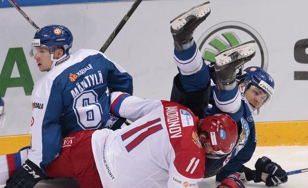 Tuukka Mäntylä ja Mikko Kousa jäivät Venäjän jalkoihin Moskovassa.