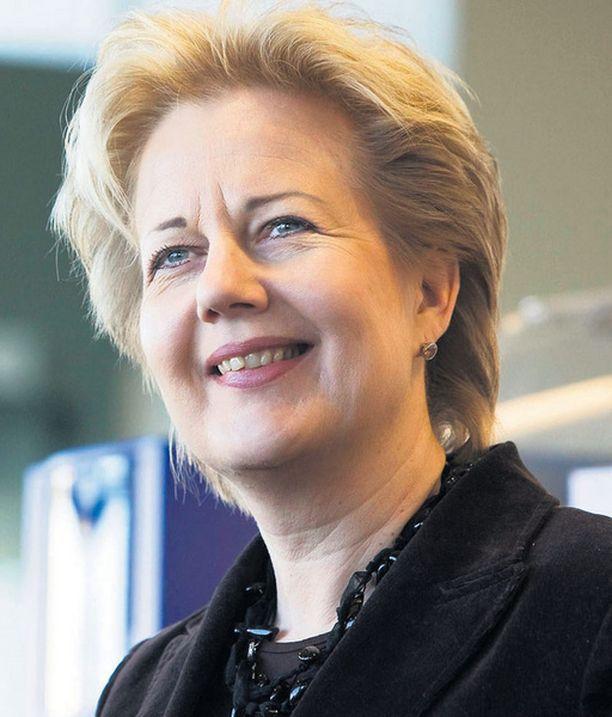 Viestintäministeri Suvi Lindén perusteli eilen noin 175 euron Yle-veroa.