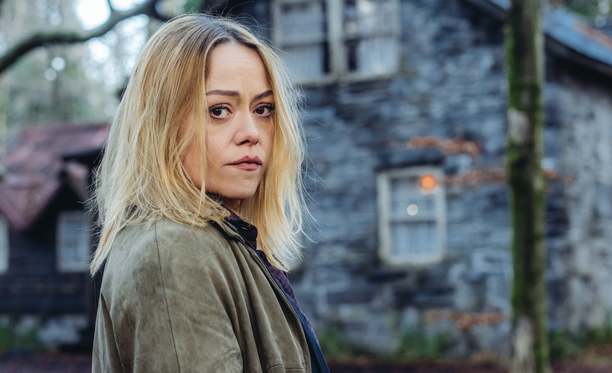Sian Reese-Williams näyttelee Cadia, jolla saattaa olla tähtäimessään sarjamurhaaja.