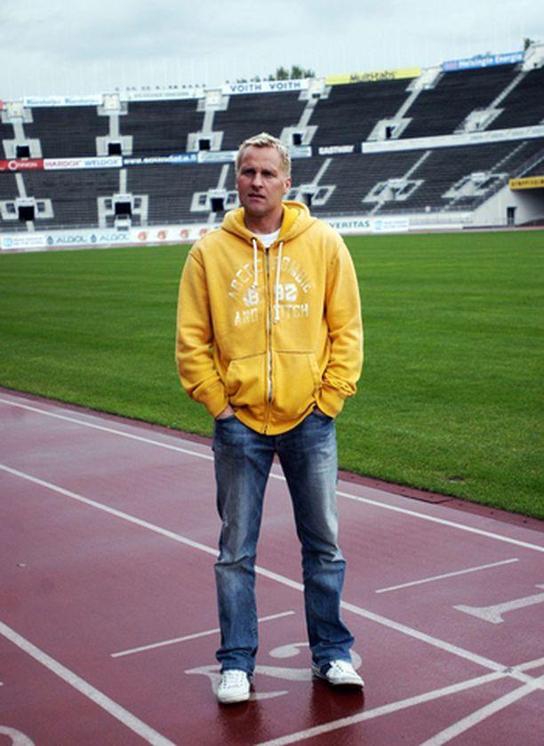 Antti Niemi jatkaa Lontoossa ainakin kaksi vuotta.