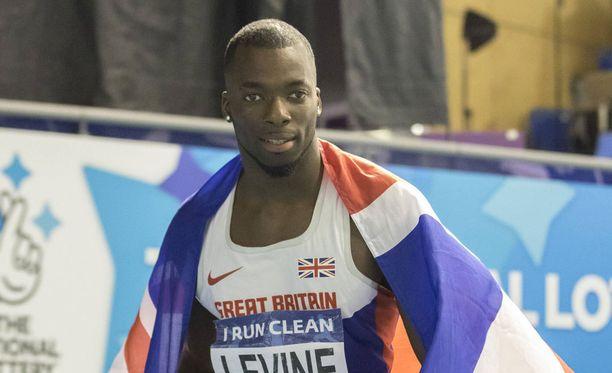 Nigel Levinen viime vuoden Britannian mestaruuskisoissa käyttämä I run clean -numerolappu asettuu nyt hivenen kyseenalaiseen valoon.
