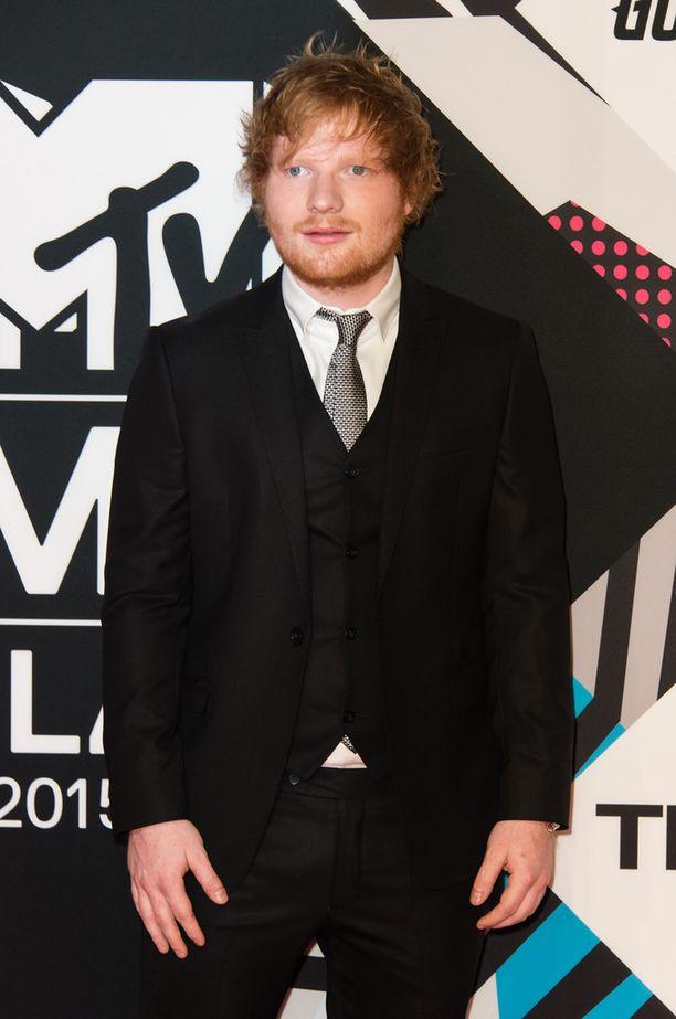 Ed Sheeranin väitetään kopioineen Photograph-kappaleensa.