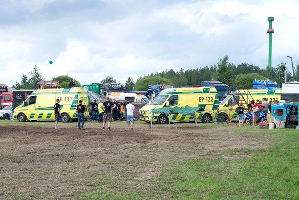 Onnettomuuden uhrit saivat nopeasti ammattiapua.
