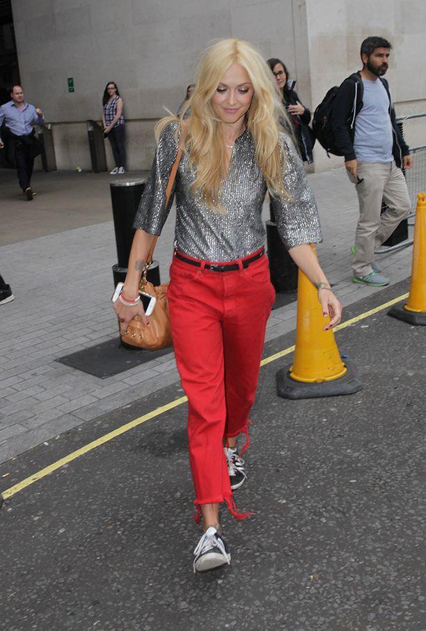 Punaisissa housuissa erotut taatusti katukuvasta.