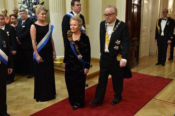 Eeva ja Martti Ahtisaari itsenäisyyspäivän vastaanotolla 2014.