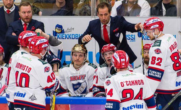 Antti Törmänen oli vaitonainen kohutuista kokoonpanovalinnoistaan.