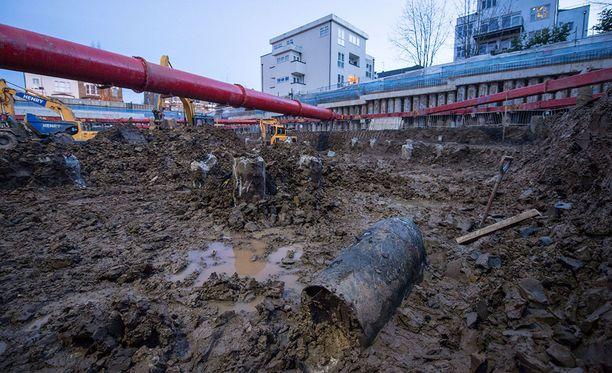 Pommi löytyi työmaalta, johon rakennetaan noin 70 luksusasuntoa.