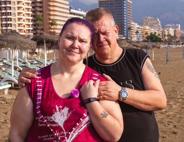 Heli ja Aki Palsanmäen huutokauppajaksot Espanjassa karkottivat katsojat.