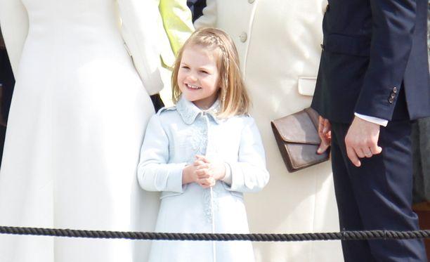 Prinsessa Estelle on melkoinen sähikäinen.