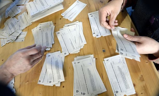 Sveitsiläiset äänestivät jo vuonna 2014 kansanlaisaloitteesta, jolla haluttiin rajoittaa maahanmuuttoa puuttumalla työvoiman vapaaseen liikkuvuuteen.