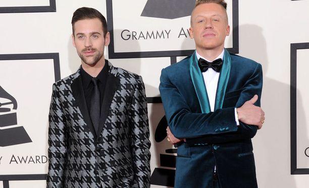 Macklemore ja Ryan Lewis vei peräti neljä Grammya.
