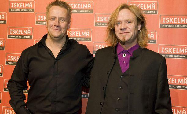 Jussi Hakulinen on tullut tunnetuksi muun muassa Yö-yhtyeen jäsenenä.