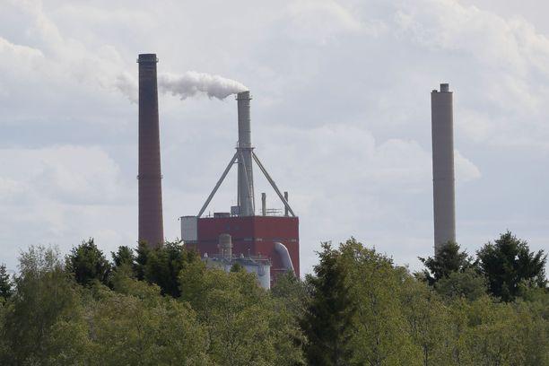 Stora Enson tehdas on näkyvä maamerkki Oulussa.