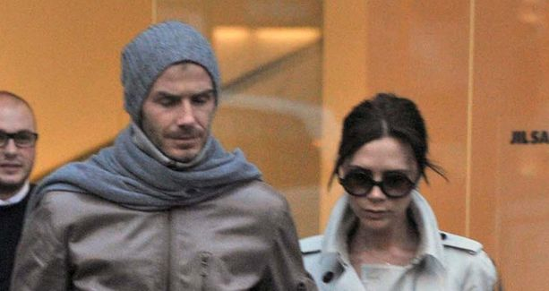 Beckhamin pariskunta pääsee juhlimaan kuninkaallisia häitä.