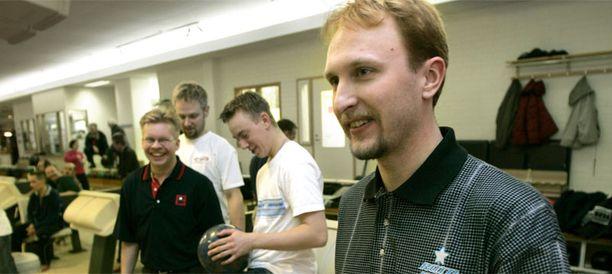 Petteri Salonen on kuulunut vuosia Suomen keilamaajoukkueeseen.