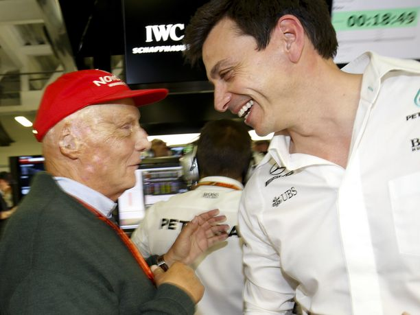 Niki Lauda ja Toto Wolff tekivät Mercedes-pomoina tuhoisaa jälkeä F1-radoilla.
